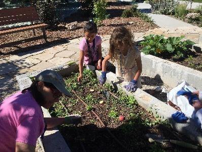 Students & Teachers in the garden (1)